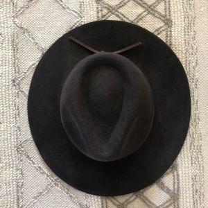 Accessories - Brixton felt hat size small
